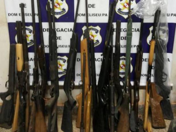Armamento foi apreendido em três casas que funcionavam como pontos de venda ilegal em Dom Eliseu, no sudeste do Pará. (Foto: Divulgação/Polícia Civil do Pará)