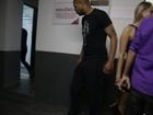 Adriano vai a show de Anitta em Curitiba