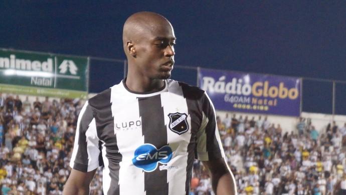 Wesley Bigu, lateral-esquerdo do ABC (Foto: Augusto Gomes)