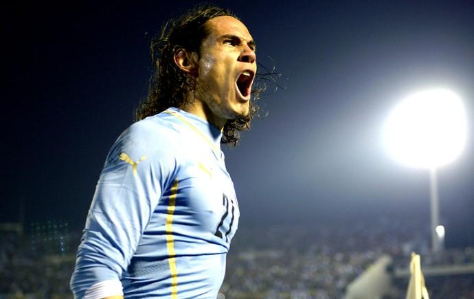 Cavani comemora gol Uruguai x Eslovênia amistoso (Foto: AP)
