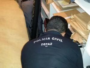Busca e apreensão na residência de Silval Barbosa, em Cuiabá (Foto: Divulgação/Polícia Civil-MT)