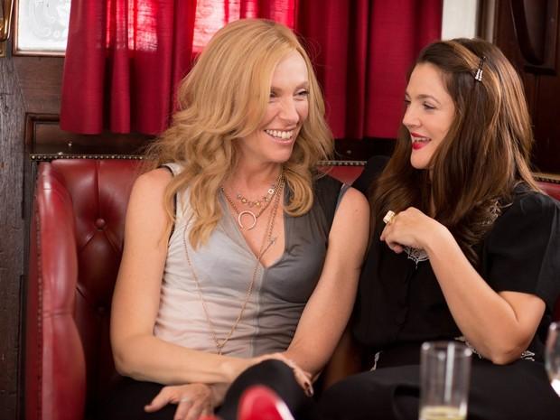 Drew Barrymore e Toni Collette em 'Já estou com saudades' (Foto: Divulgação)