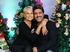 Junno acompanha Xuxa em show especial de Natal  e ganha beijinho