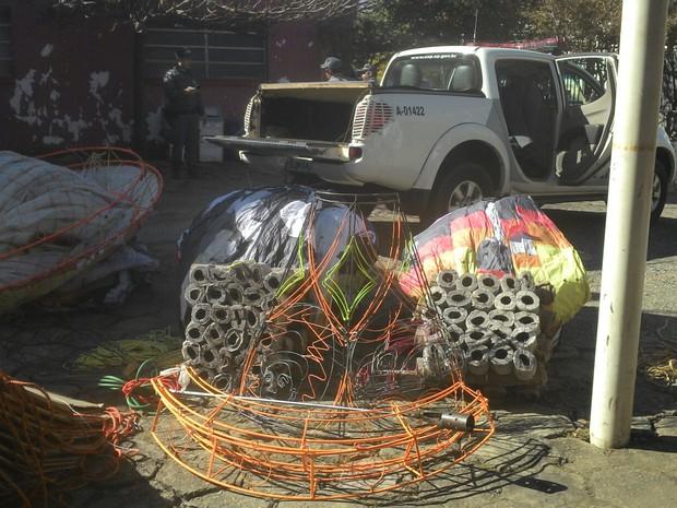 Balões foram apreendidos na zona rural de Nazaré Paulista (Foto: Divulgação / PM)