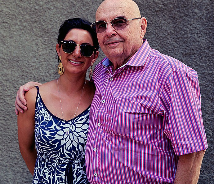 Seu Gerardo, pai de Ana Paula, ao lado de sua esposa Ana: torcida (Foto: Larissa Moggi/Gshow)