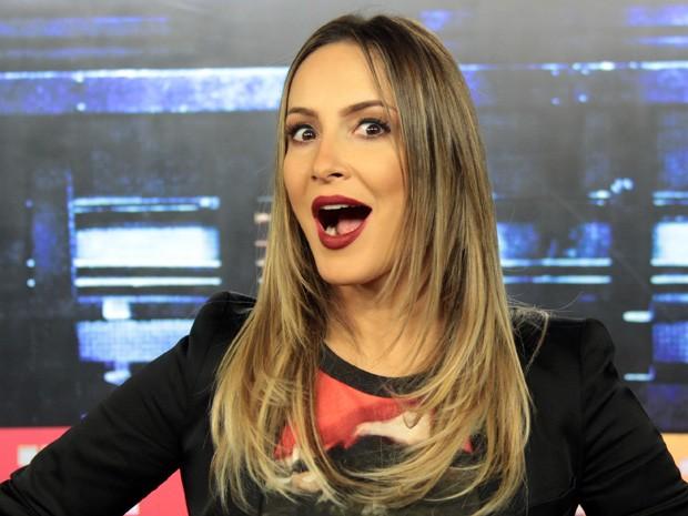 Claudia Leitte conta que gosta de estar sempre bonita em casa (Foto: Marcos Mazini/Gshow)