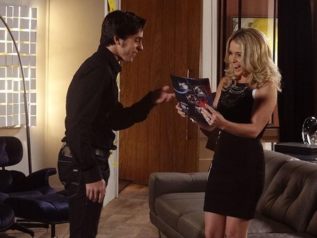 Pamela adora a surpresa que Ernesto fez para ela (Foto: Geração Brasil/TV Globo)