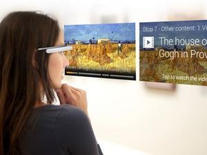 Tour em museus com o Google Glass oferecem informações sobre obras em vídeos e em áudio (Foto: Divulgação/GuidiGo)