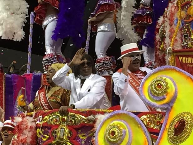 Milton Nascimento em desfile da Tom Maior no Sambódromo do Anhembi (Foto: Tatiana Santiago/G1)