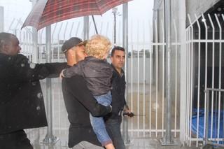 Neymar e o filho (Foto: Paduardo e Thiago Duran/AgNews)