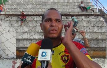 "Ídolo do Sport Atalaia, Aloisio Chulapa implora: ""Ajudem o nosso clube"""