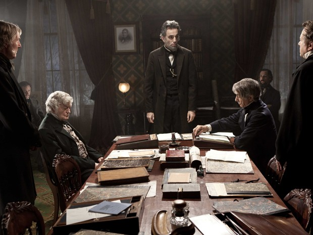 Cena de 'Lincoln', de Steven Spielberg, com ator Daniel Day-Lewis ao centro (Foto: AP Photo/DreamWorks)