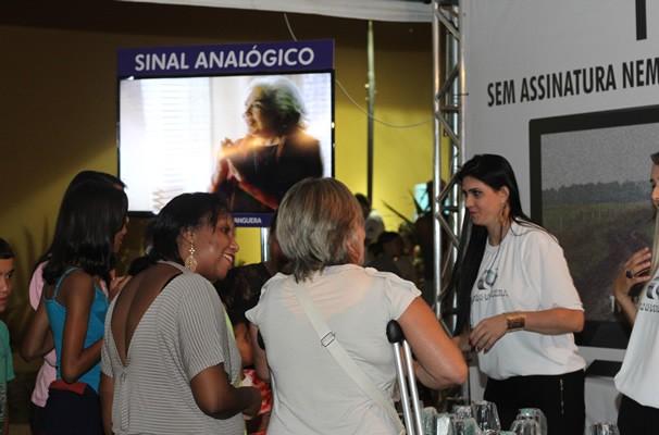 Quem compareceu no evento ganhou brindes e pode tirar suas dúvidas sobre a TV Digital. (Foto: TV Anhanguera)