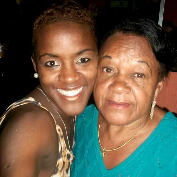 A paulista e a avó Olga Ramos (Foto: Arquivo Pessoal)