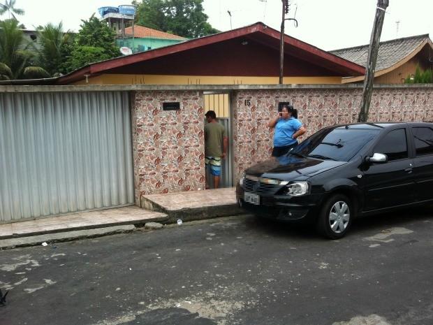 Sargento da Marinha, Fábio Jefferson Maciel, de 33 anos, é velado na casa da família em Manaus (Foto: Camila Henriques/G1 AM)