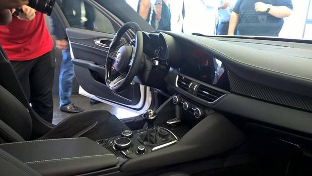 Vazam imagens do interior do Alfa Romeu Giulia (Foto: Reprodução)