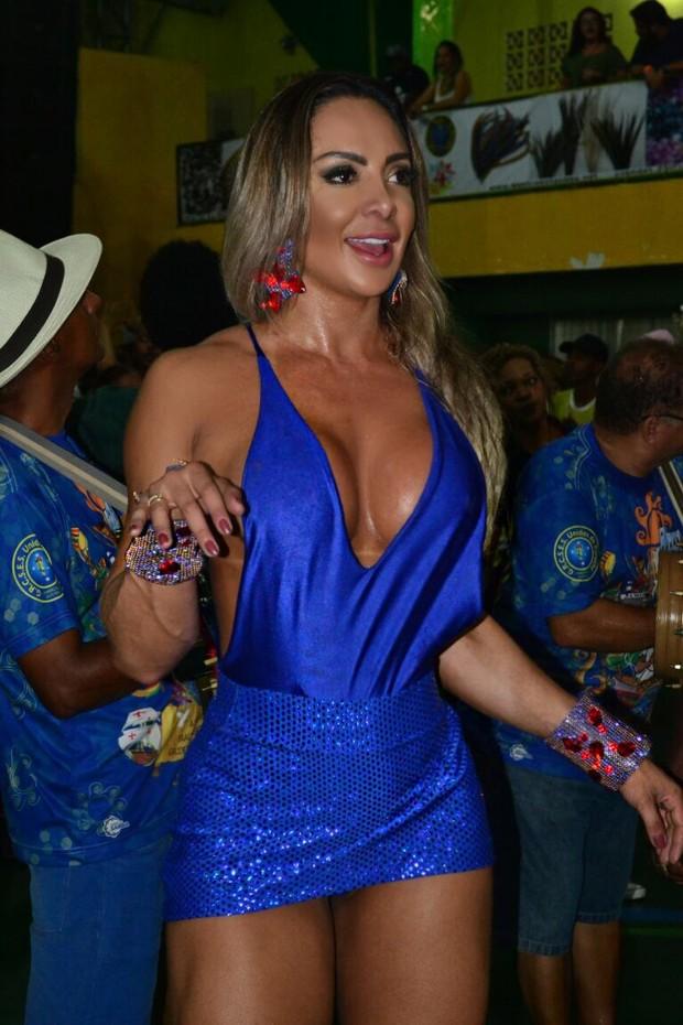 Priscila Santtana, a madrinha de bateria da escola Unidos do peruche (Foto: Eduardo Graboski/Divulgação)