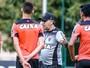 Sem Patric e Júnior Urso, Marcelo comanda penúltimo treino no Galo