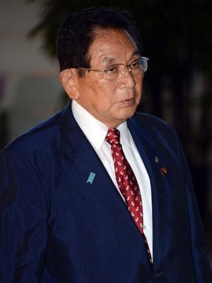 Keishu Tanaka, ex-ministro da Justiça do Japão, em foto de 2010 (Foto: Toshifumi Kitamura/AFP)