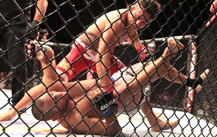 Vitor Belfort e Dan Henderson UFC Goiânia (Foto: Rodrigo Malinverni)