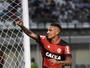 Guerrero bate Gabigol e torna-se o jogador mais escalado do Cartola FC