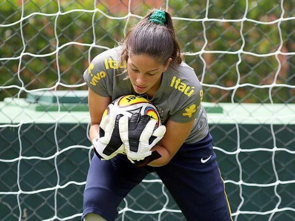 Nicole Nascimento goleira (Foto: Divulgação)