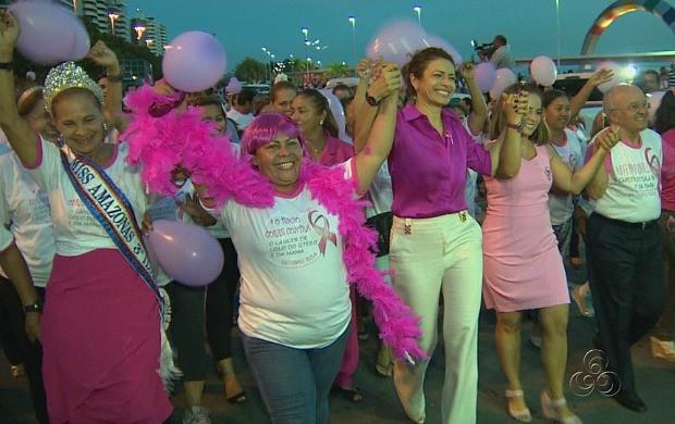 Caminhada deu início à campanha 'Outubro Rosa' (Foto: Bom Dia Amazônia)