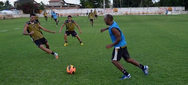 Treino Botafogo-PB, Botafogo-pb, Cabedelo, Campeonato Brasileiro, Série D, Gil Bala, Ferreira, Marcel (Foto: Richardson Gray / Globoesporte.com/pb)