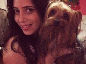 Gabriela Belota e o cachorro Rick (Foto: Divulgação/Polícia Civil)