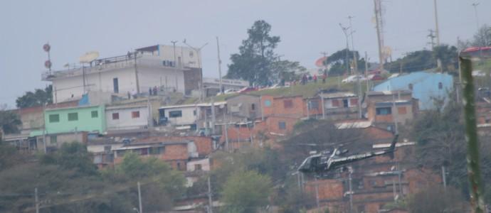 Helicóptero polícia civil treino Inter (Foto: Tomás Hammes / GloboEsporte.com)