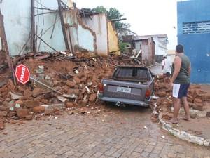 Motorista ficou ferido e está internado no hospital de Brumado. (Foto: Lay Amorim/ Brumado Notícias)