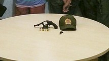 Jovem é preso e menor apreendido com arma (Polícia Militar de Alenquer/Divulgação)
