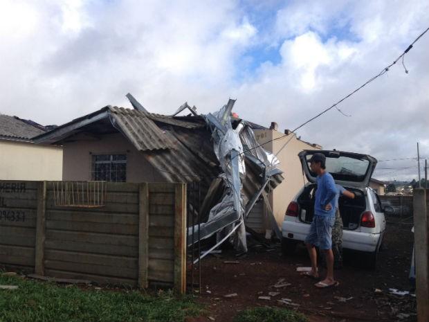 Região mais atingida pelo temporal foi Ponta Grossa, segundo a Defesa Civil  (Foto: Wesley Cunha / RPC)