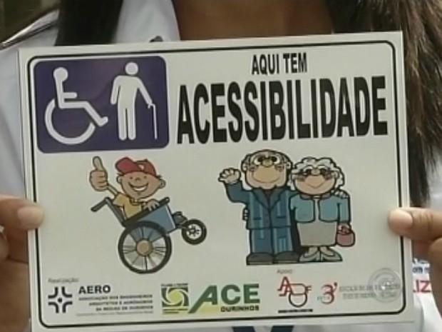 Selos especiais são distribuídos para estabelecimentos acessíveis (Foto: Reprodução/TV Tem)