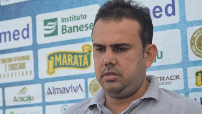 Cley Sá, supervisor de futebol do Confiança (Foto: Felipe Martins/GloboEsporte.com)