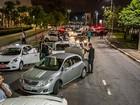 Três taxistas são presos com armas brancas em ação da polícia em SP