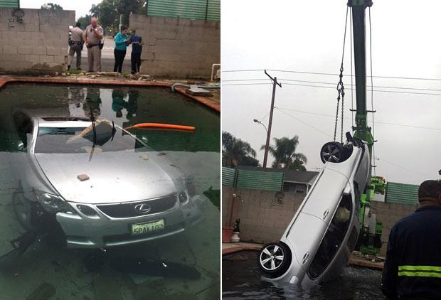 Motorista perdeu o controle do carro e parou dentro de piscina. (Foto: Beatriz Diaz/AP)