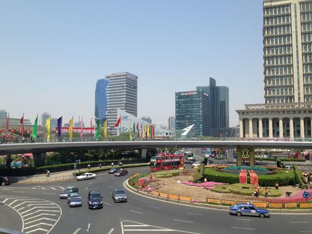 China aposta em carros elétricos; cidades como Xangai dão incentivos (Foto: Priscila Dal Poggetto/G1)