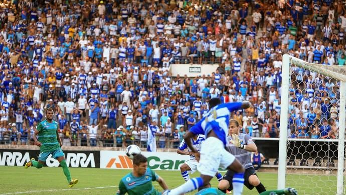 CSA x Coruripe, no Rei Pelé (Foto: Ailton Cruz/Gazeta de Alagoas)