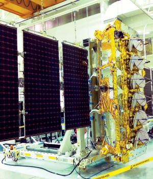 Um dos satélites da startup O3b, alimentados por energia solar. O Google planeja utilizar aparelhos semelhantes (Foto: Divulgação/ O3b)