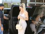 Look do dia: Khloe Kardashian capricha no visual 'embalado a vácuo'