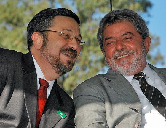 Palocci e o ex-presidente Lula (Foto:  EFE)