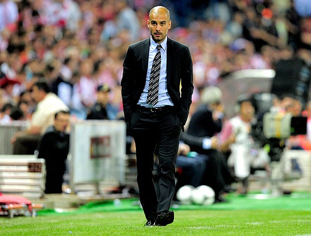 Pep Guardiola na final da Copa do Rei Barcelona Atlhetic Bilbao (Foto: AFP)