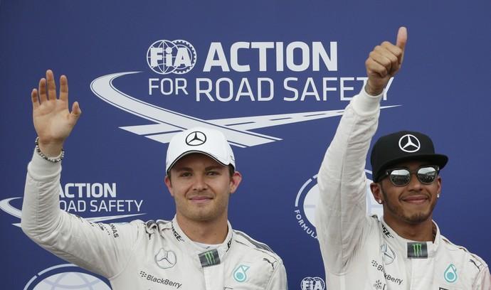 Pilotos da Mercedes superam os adversários em mais um GP (Foto: Reuters)