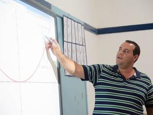 Professores passaram por treinamento para utilizar as novas tecnologias em sala de aula (Foto: Mariane Rossi/G1)