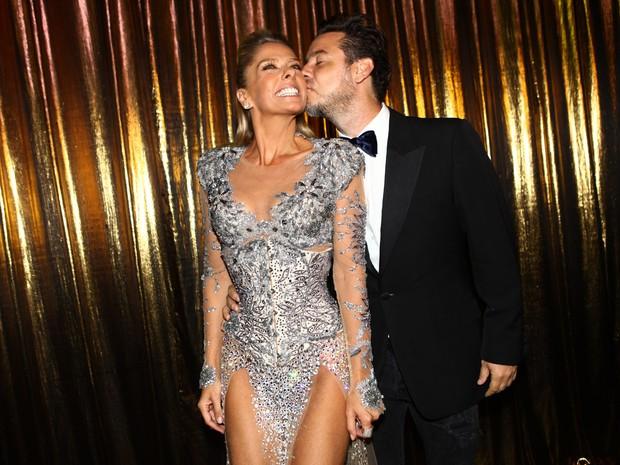 Adriane Galisteu e Alexandre Iódice no Baile de Gala da Vogue (Foto: Iwi Onodera / EGO)