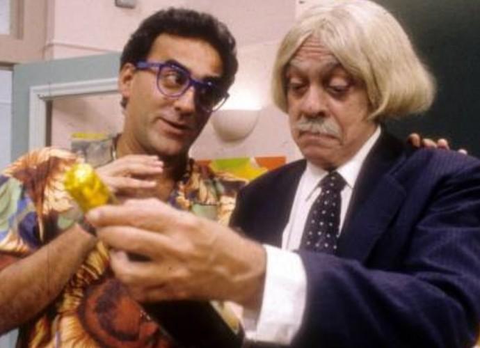 Ao lado de Chico Anysio, em cena da Escolinha do Professor Raimundo  (Foto: Arquivo Pessoal)