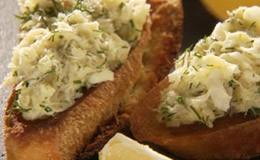 Chuck Hughes - Torradas com pasta de bacalhau e alho assado - Programa 09 (Foto: Reproduo)