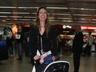 Luciana Gimenez desembarca no Brasil com filho caçula