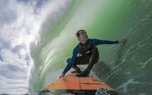 Carlos Burle estrela a nova série exclusiva do Canal OFF, 'Gigantes do Surfe'
